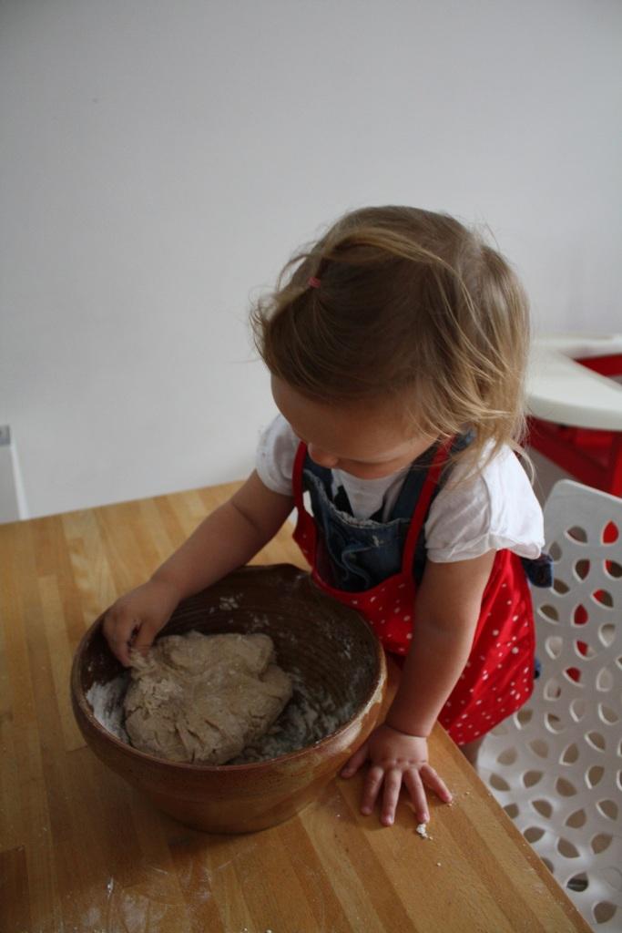 Faire du pain en famille (4).JPG