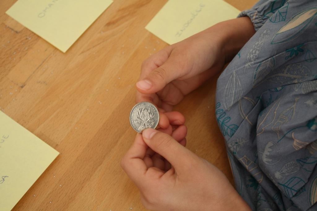 monde,monnaie,6-8 ans