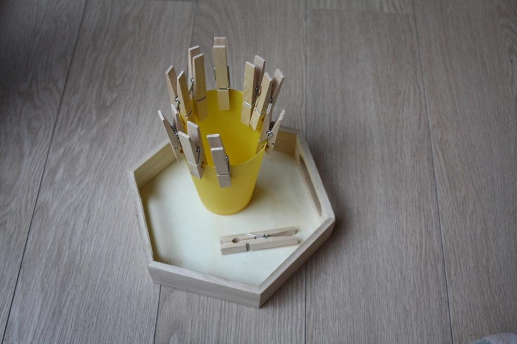 Jeux 2 ans atelier Montessori éveil (4).JPG